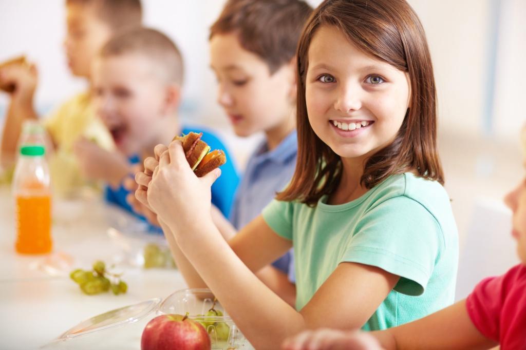 Раціон харчування школяра: готуємось заздалегідь