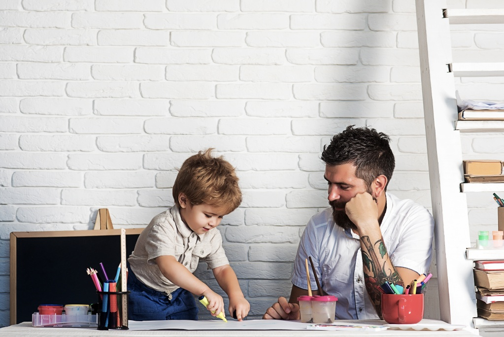 Папа сможет: муж на родительском собрании