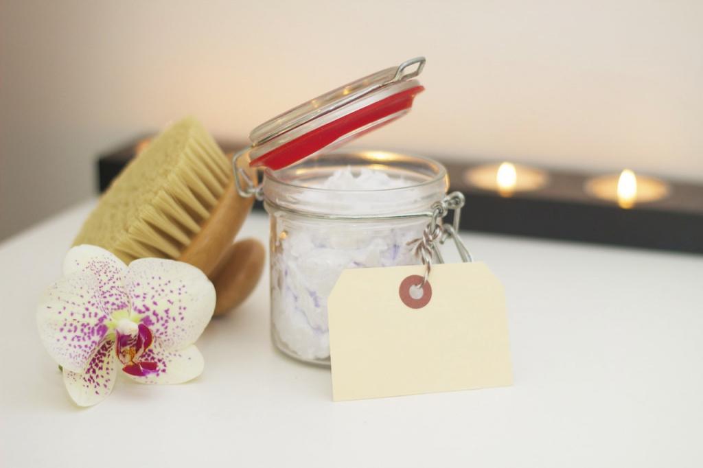 Замість пілінгів і скрабів: Масаж тіла сухою щіткою
