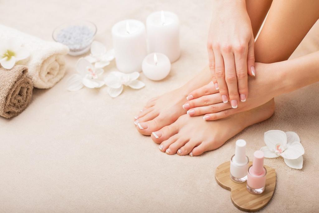 П'яти як у немовляти: як захистити шкіру ніг від сухості