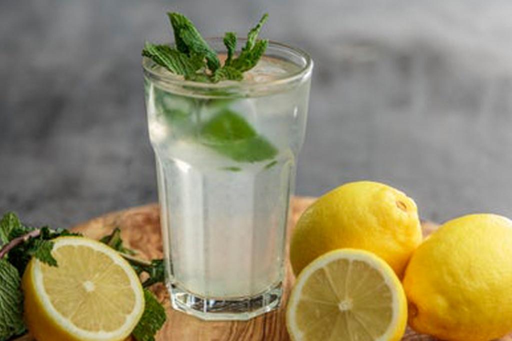 Як правильно пити воду влітку: рекомендації нутріціолога