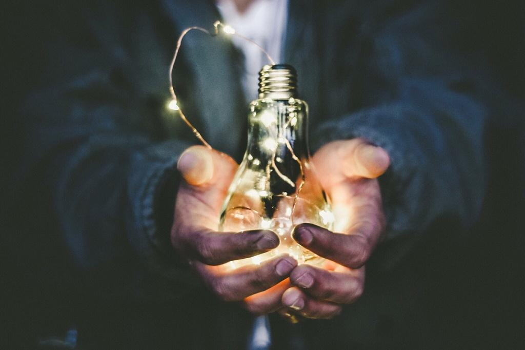Що зробити, щоб лампочки служили довше