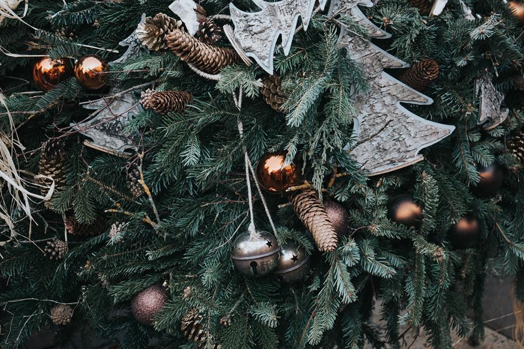 Как украсить елку: 4 оригинальных варианта