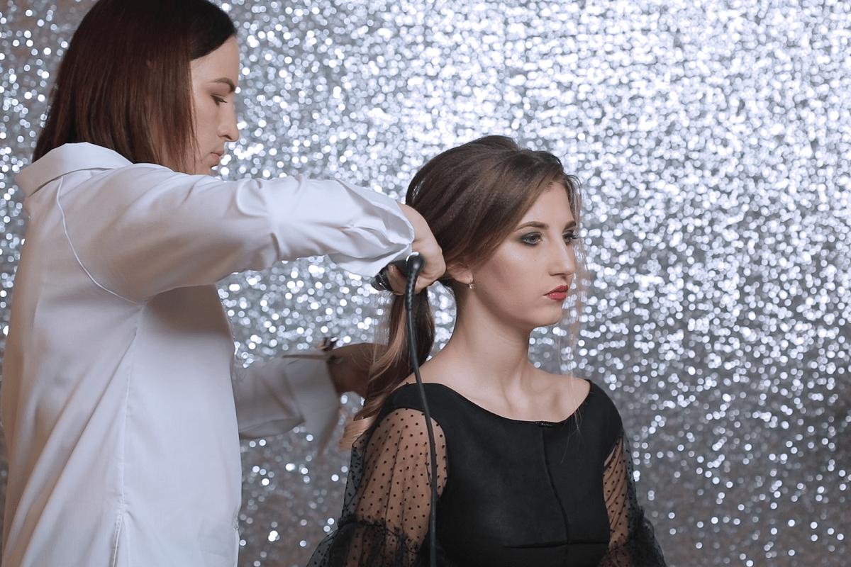 Святковий образ для випускного вечора: ефектний макіяж та стильна зачіска