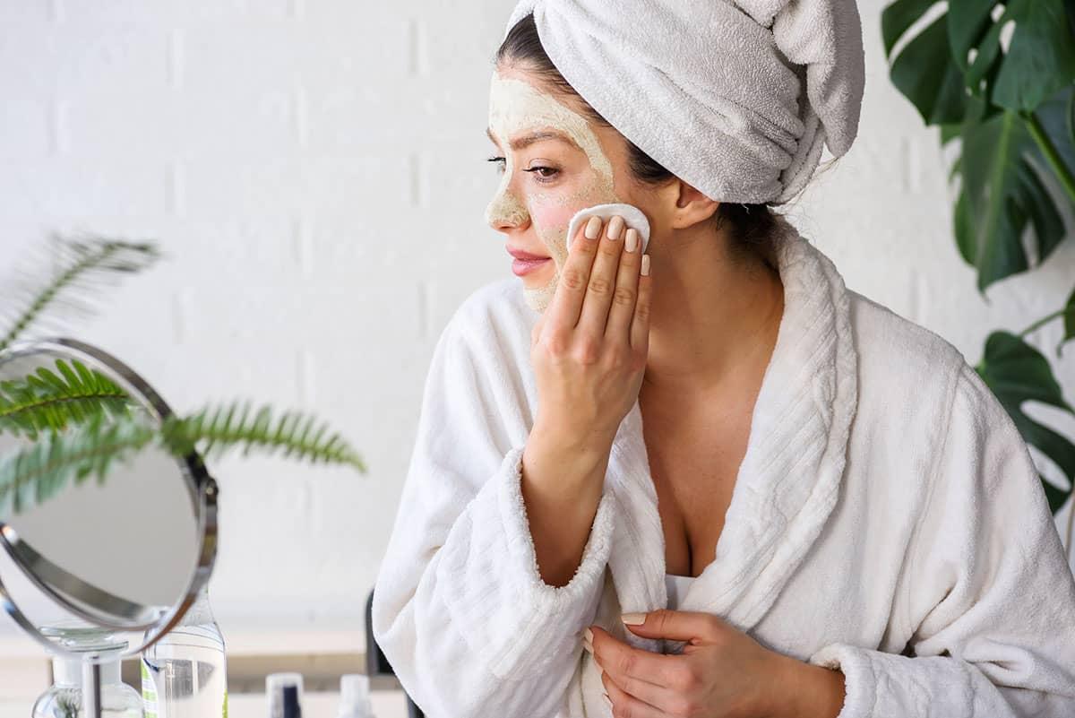 Догляд за шкірою обличчя після 25: про що варто пам'ятати