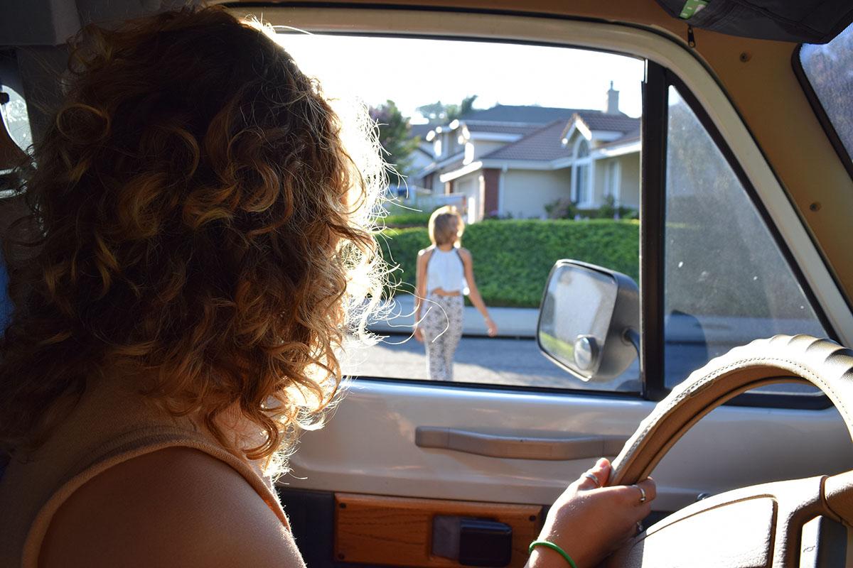 «Они все сигналят!» — как побороть страх водить машину?