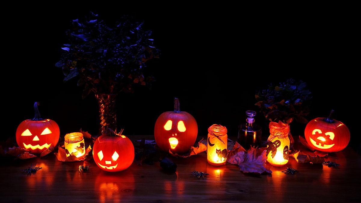8 идей, как украсить дом на Хэллоуин