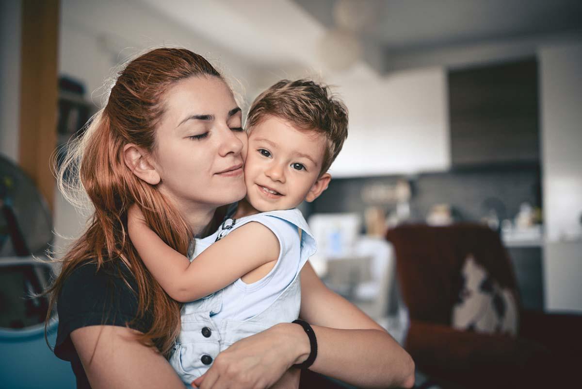 Як спілкуватися з трирічною дитиною і заодно розвивати її