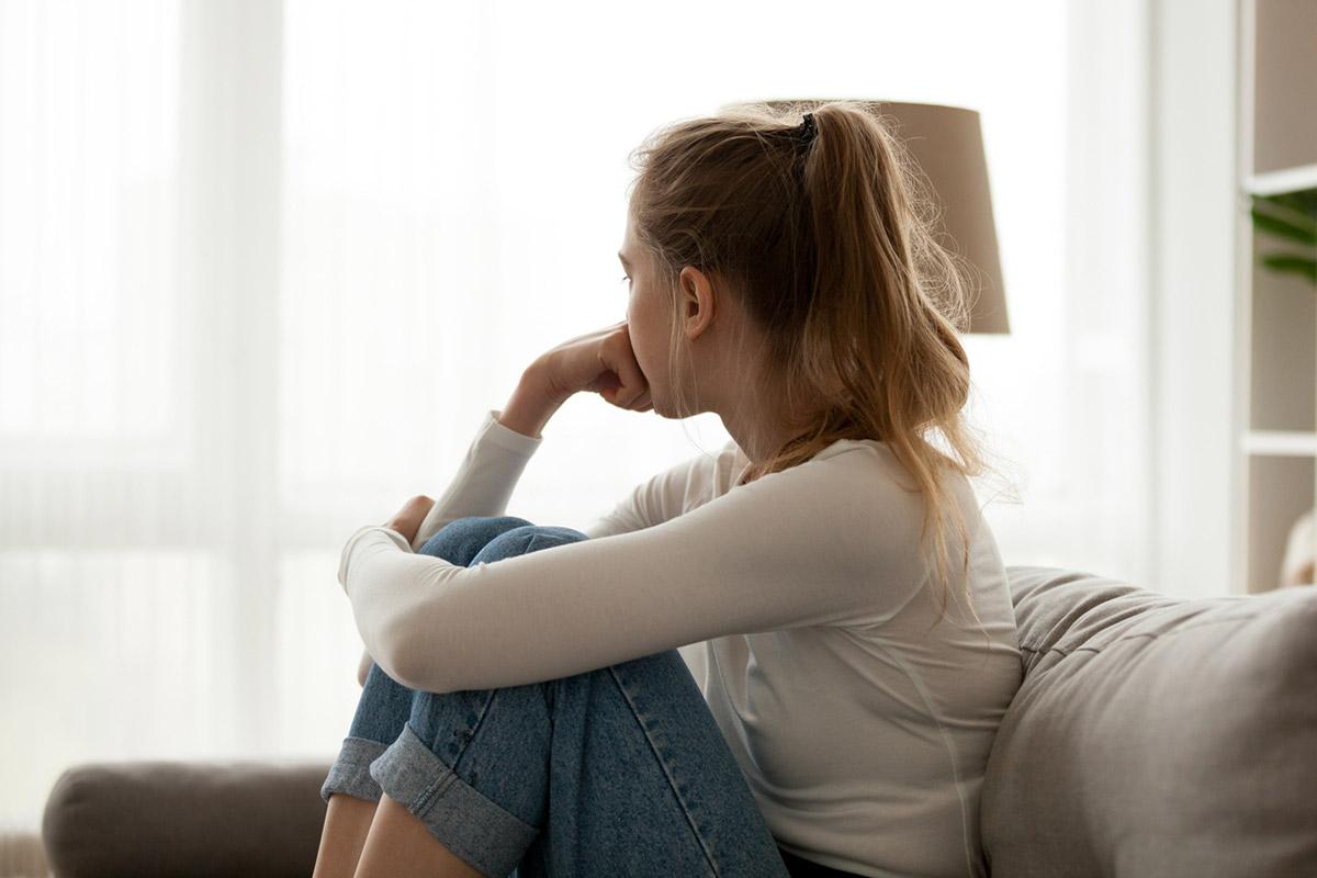 Поганий настрій чи депресія: як зрозуміти, що потрібна професійна допомога?