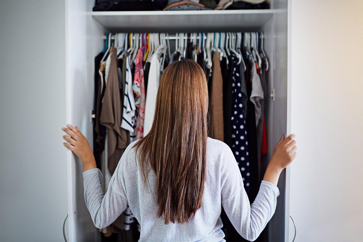 Як позбавитися затхлого запаху в шафі?