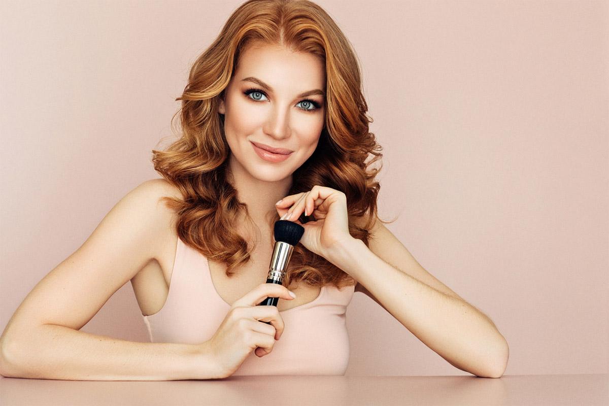 Время сменить тон: ошибки в макияже, которые добавляют вам лет