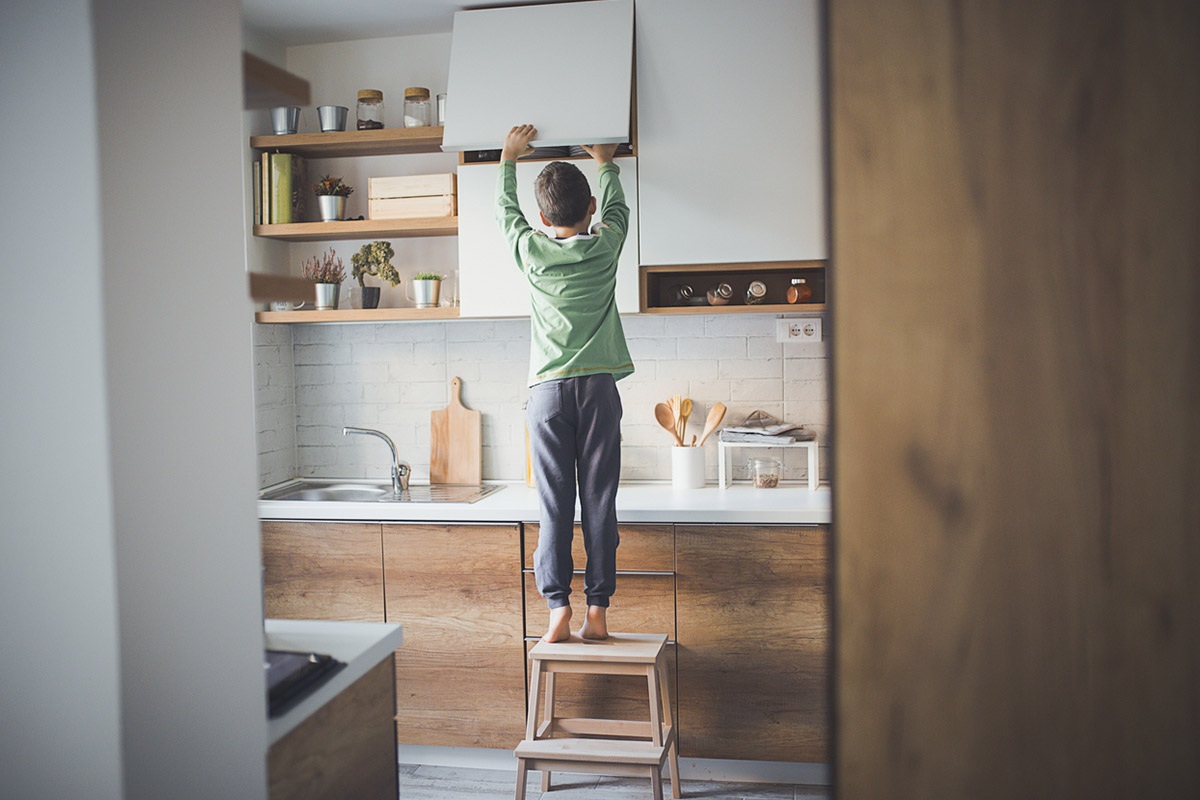 Вперше сам удома: практичні поради батькам